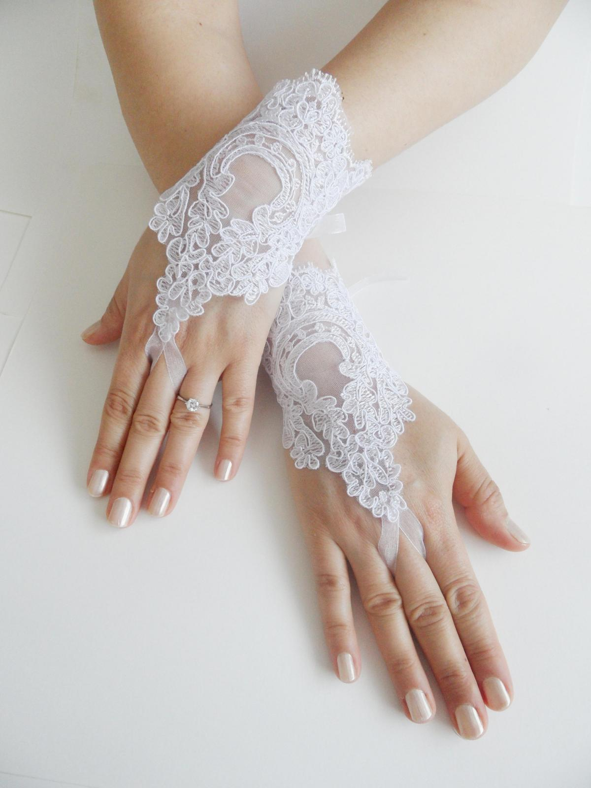 Bridal Glove, white, lace gloves, Fingerless Gloves, cuff wedding bride, bridal gloves, lace