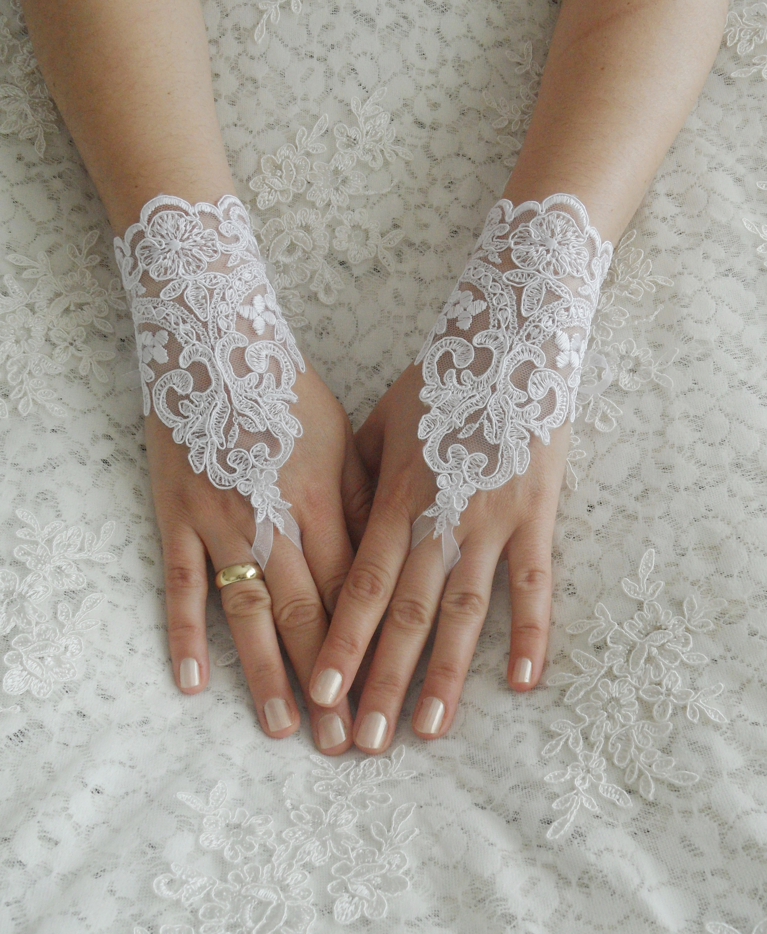 Wedding Gloves, Ivory Lace Gloves, Fingerless Gloves